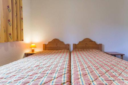Rent in ski resort 2 room apartment 4 people (A12) - Résidence les Pistes - Le Corbier - Sleeping area