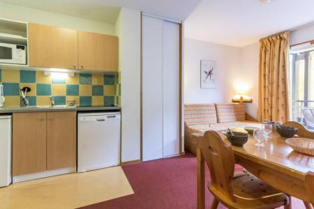 Rent in ski resort 2 room apartment 4 people (A12) - Résidence les Pistes - Le Corbier - Table