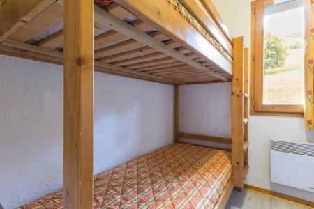 Rent in ski resort 3 room apartment 6 people (A21) - Résidence les Pistes - Le Corbier - Bunk beds