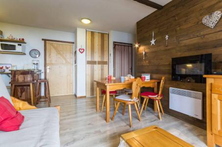 Rent in ski resort 3 room apartment 6 people (C93) - Résidence les Pistes - Le Corbier - Living area