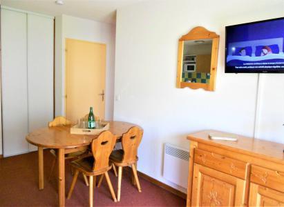 Rent in ski resort 3 room apartment 6 people (C99) - Résidence les Pistes - Le Corbier - Table