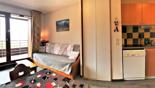 Rent in ski resort 2 room apartment 4 people (B74) - Résidence les Pistes - Le Corbier