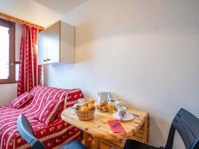 Rent in ski resort 1 room apartment 2 people (80) - Vostok Zodiaque - Le Corbier - Apartment