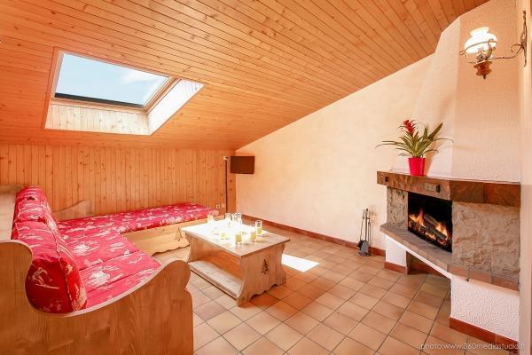 Location au ski Appartement 3 pièces 6 personnes (309) - Residence L'androsace - Le Grand Bornand - Cheminée
