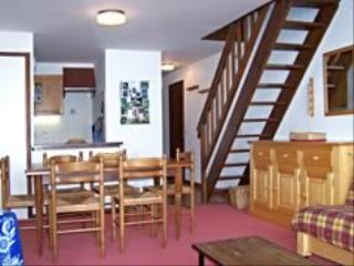 Location au ski Appartement 2 pièces mezzanine 8 personnes (233) - Residence Le Castel Des Neiges - Le Grand Bornand - Coin repas