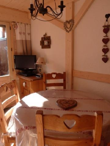 Location au ski Studio 3 personnes - Residence Le Kodiac - Le Grand Bornand - Table