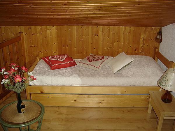 Location au ski Appartement 2 pièces mezzanine 5 personnes (301) - Residence Le Venay - Le Grand Bornand - Lits gigognes