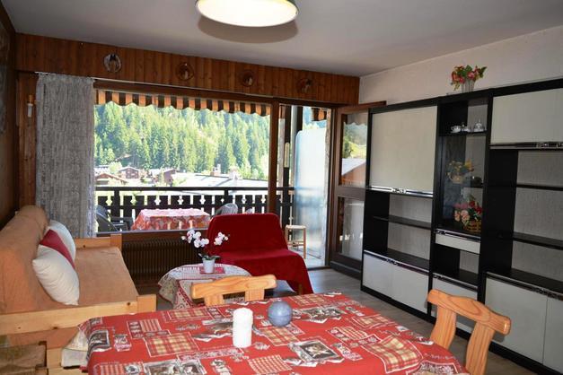 Location au ski Studio coin montagne 4 personnes (419) - Residence Les Arces - Le Grand Bornand - Table