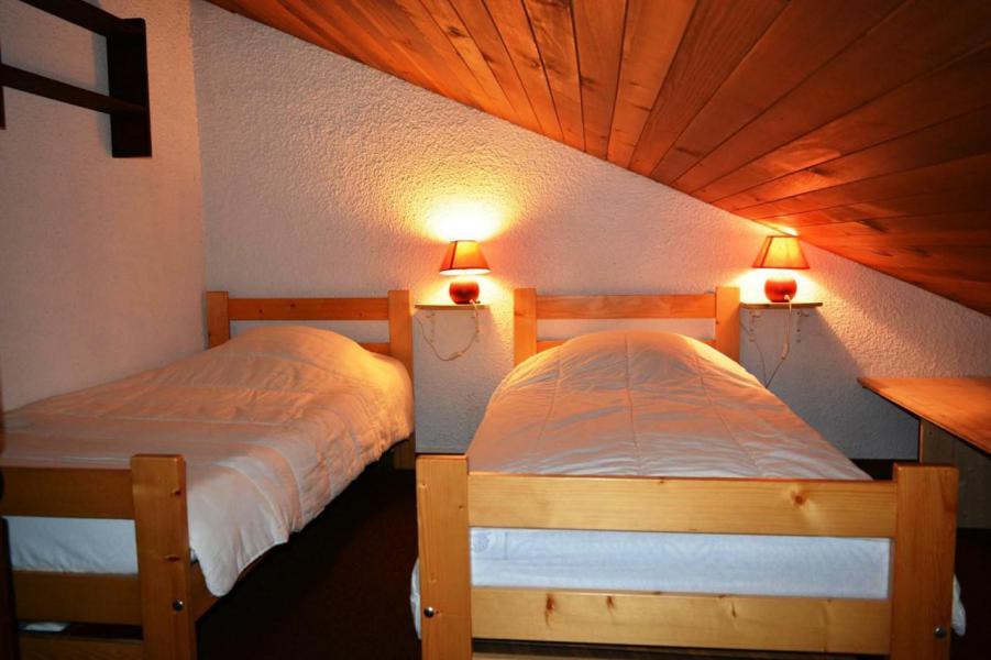 Location au ski Studio coin montagne 6 personnes (56) - La Résidence le Castel des Neiges - Le Grand Bornand - Lit simple