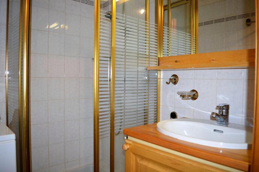 Location au ski Appartement 3 pièces 6 personnes (011) - Résidence Alpina - Le Grand Bornand - Douche