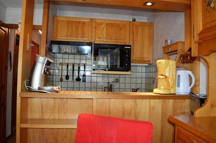 Location au ski Appartement 3 pièces 6 personnes (011) - Résidence Alpina - Le Grand Bornand - Kitchenette