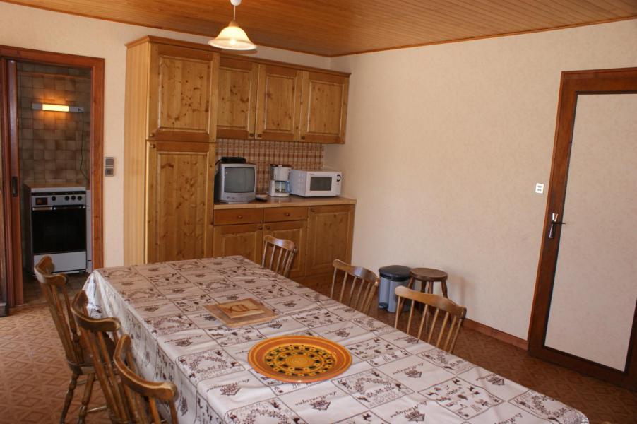 Location au ski Appartement 3 pièces 7 personnes (0843) - Résidence la Touvière - Le Grand Bornand - Table