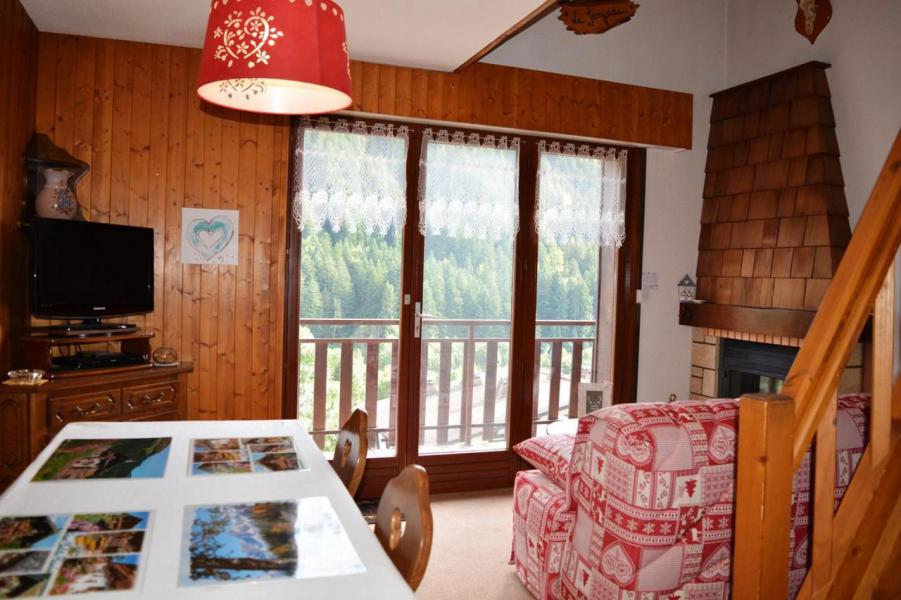 Rent in ski resort 2 room mezzanine apartment 6 people (5A) - Résidence les Chalets - Le Grand Bornand