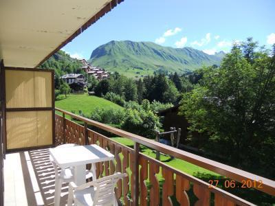 Ski verhuur Résidence les Cossires - Le Grand Bornand - Balkon