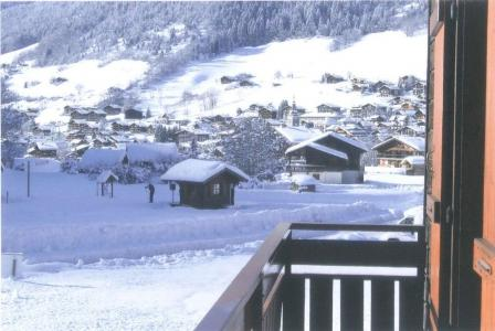 Holiday in mountain resort 3 room apartment 6 people (4) - Chalet Charvin - Le Grand Bornand - Winter outside