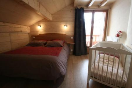 Location au ski Appartement duplex 4 pièces cabine 8 personnes (305) - Chalet Chatillon - Le Grand Bornand - Chambre mansardée