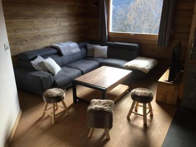 Rent in ski resort 6 room triplex chalet 12 people - Chalet Soleya - Le Grand Bornand - Apartment