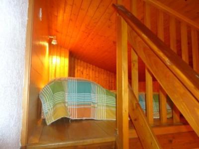 Location au ski Appartement 2 pièces mezzanine 6 personnes (1722) - Residence La Duche - Le Grand Bornand - Mezzanine mansardée (-1,80 m)