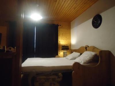 Location au ski Studio cabine 4 personnes (1724) - Residence La Duche - Le Grand Bornand - Canapé-gigogne