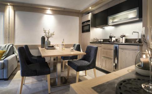Rent in ski resort Résidence le Roc des Tours - Le Grand Bornand - Apartment