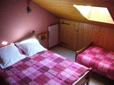 Location au ski Appartement 2 pièces 5 personnes (002) - Residence Le Vieux Noyer - Le Grand Bornand - Chambre mansardée