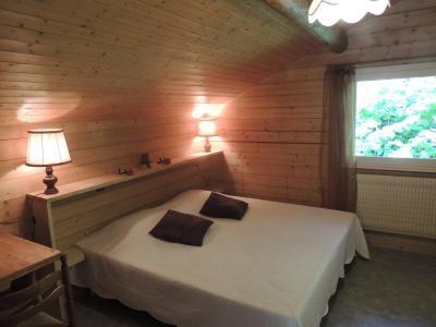 Location au ski Appartement duplex 2 pièces 6 personnes (003) - Residence Lou R'bat Pays - Le Grand Bornand - Chambre mansardée