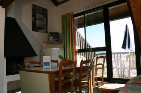 Location au ski Vvf Villages Font De Cere - Le Lioran - Porte-fenêtre donnant sur balcon
