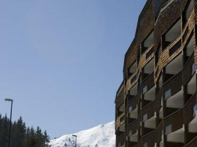 Rent in ski resort Résidence Pierre & Vacances les Mouflons I et II - Le Praz de Lys - Winter outside