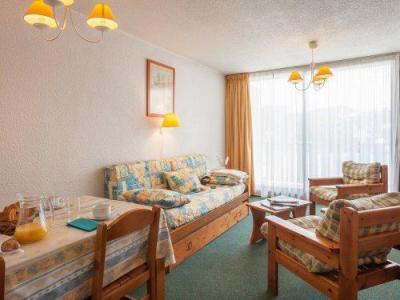 Rent in ski resort Résidence Pierre & Vacances les Mouflons I et II - Le Praz de Lys - Sofa-bed