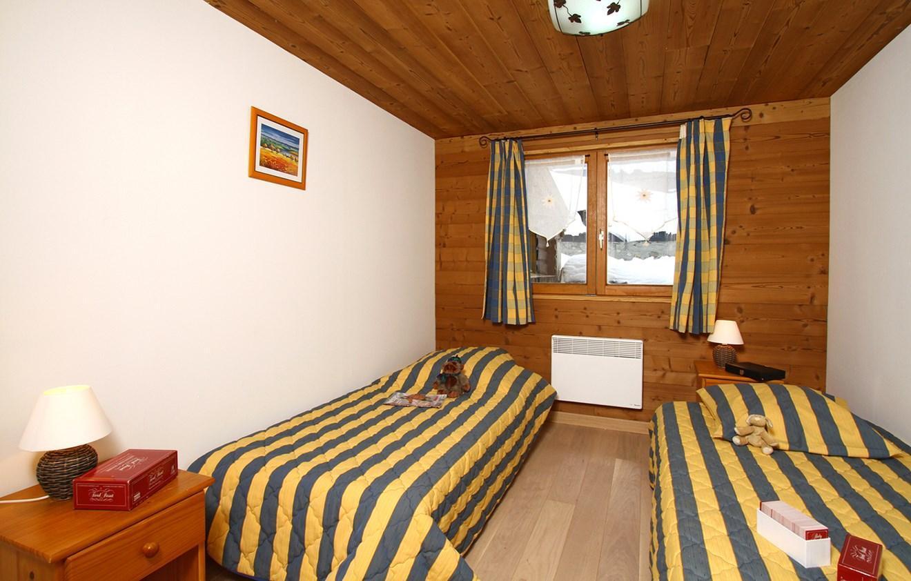 Location au ski Chalet 8 pièces 16 personnes - Chalet Alpina - Les 2 Alpes - Lit simple