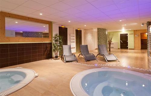 Location au ski Hotel Club Mmv Le Panorama - Les 2 Alpes - Bain à remous
