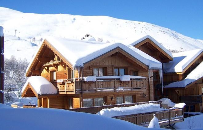 Rent in ski resort Chalet Harmonie - Les 2 Alpes - Winter outside