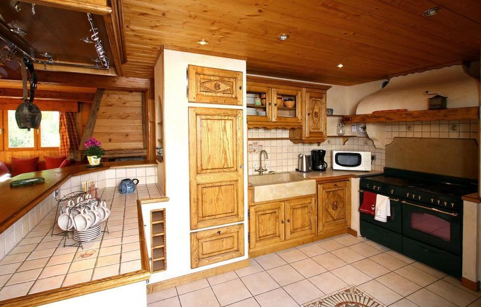 Rent in ski resort Chalet Harmonie - Les 2 Alpes - Open-plan kitchen