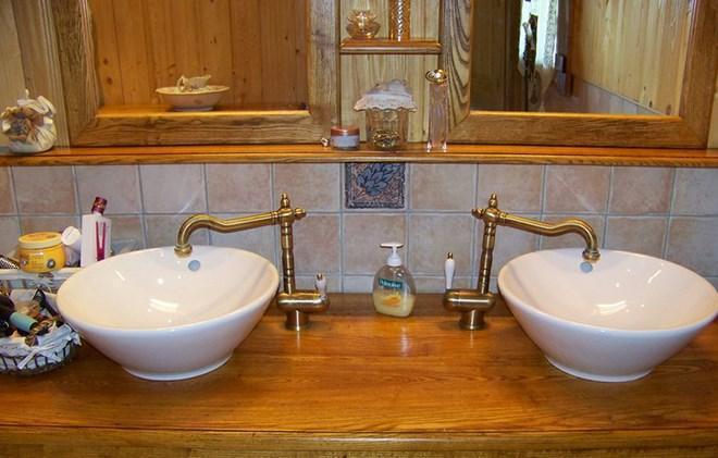 Rent in ski resort Chalet Harmonie - Les 2 Alpes - Wash-hand basin