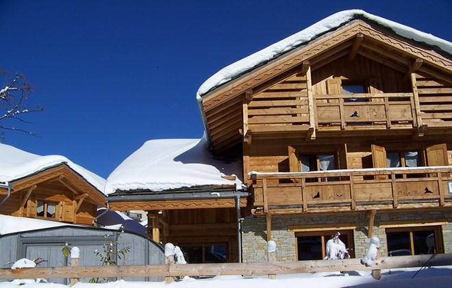 Holiday in mountain resort Chalet Le Loup Lodge - Les 2 Alpes - Winter outside