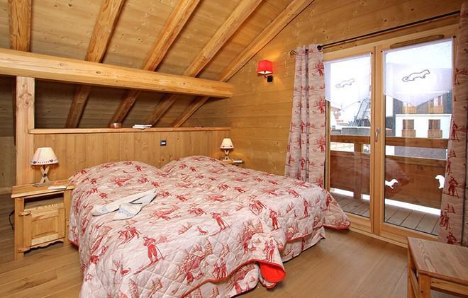 Location au ski Chalet Le Loup Lodge - Les 2 Alpes - Chambre mansardée