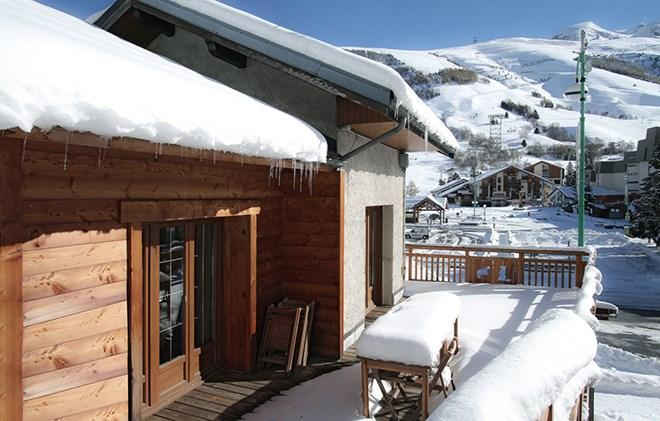 Holiday in mountain resort Chalet le Marmotton - Les 2 Alpes - Winter outside