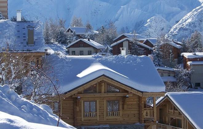Rent in ski resort Chalet Leslie Alpen - Les 2 Alpes - Winter outside