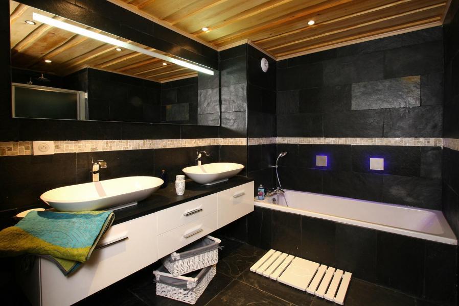 Rent in ski resort Chalet Leslie Alpen - Les 2 Alpes - Bathroom
