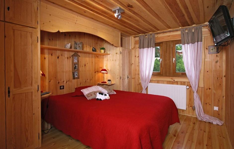 Rent in ski resort Chalet Leslie Alpen - Les 2 Alpes - Bed