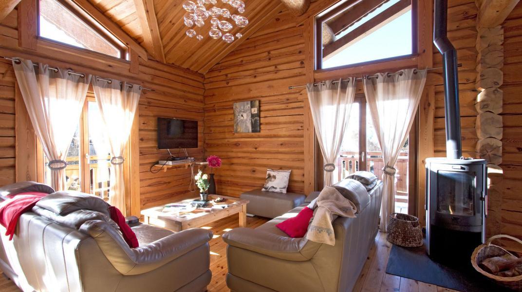 Аренда на лыжном курорте Chalet Leslie Alpen - Les 2 Alpes - Дровяная печь