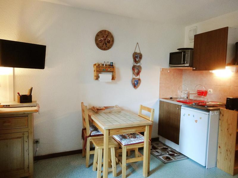 Rent in ski resort 1 room apartment 3 people (21) - Chalets du Soleil - Les 2 Alpes - Apartment