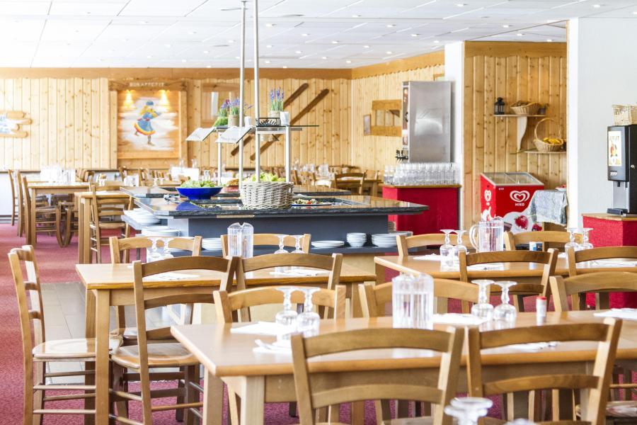 Location chambre 3 personnes aux 2 alpes ski planet for Hotel au ski