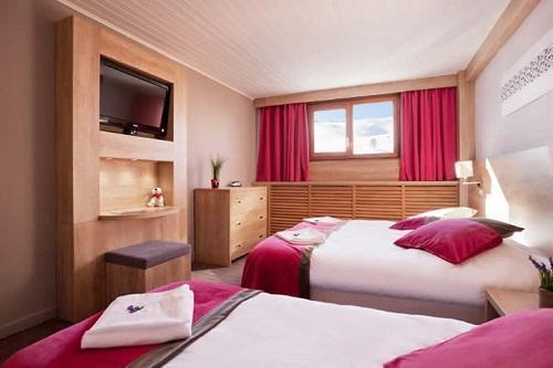 Location Chambre 3 Personnes  2 Adultes   1 Enfant -12 Ans  Aux 2 Alpes