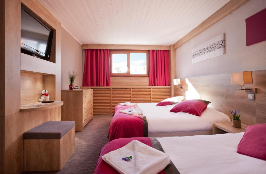 H U00f4tel Club Mmv Le Panorama    -10   Les 2 Alpes  Location Vacances Ski Les 2 Alpes