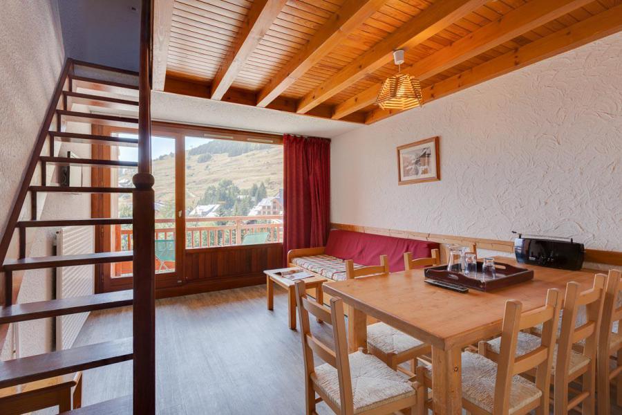 Location au ski Appartement duplex 3 pièces coin montagne 8 personnes - Résidence Meijotel - Les 2 Alpes - Table