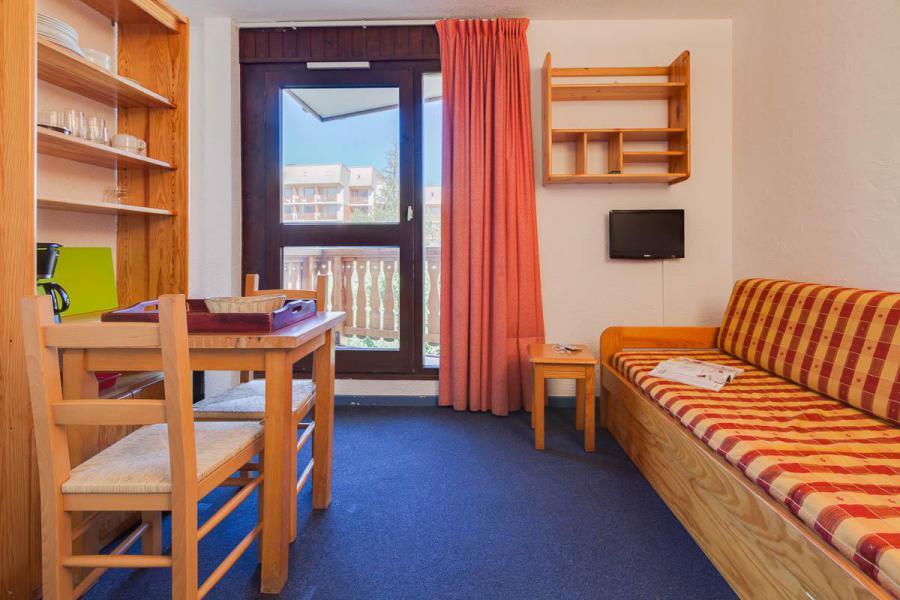 Rent in ski resort Studio 2 people - Résidence Plein Sud - Les 2 Alpes - Living room