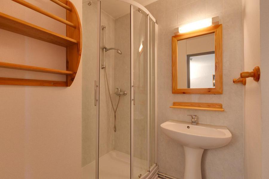 Rent in ski resort Studio 2 people - Résidence Plein Sud - Les 2 Alpes - Shower