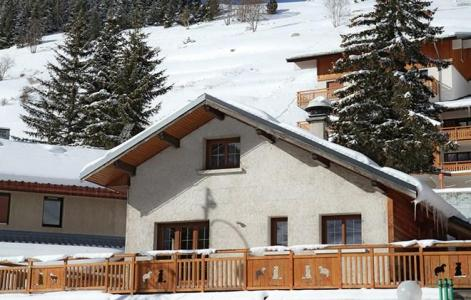 Rent in ski resort Chalet le Marmotton - Les 2 Alpes - Winter outside