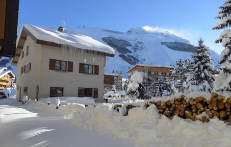 Rent in ski resort Chalet Sabot de Vénus - Les 2 Alpes - Winter outside